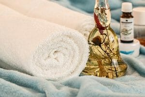 massage therapy 1612308 640